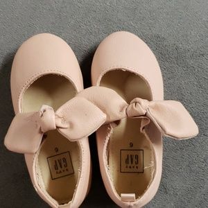 Great condition light pink ballet flats